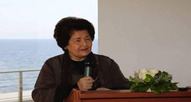 إميلي نصرالله تقدّم أعمالها لليسوعية 17 وثيقة ومقالات على مدى 15 عاماً