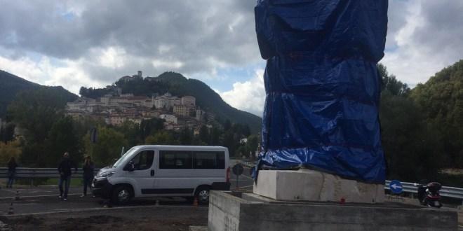 وصول تمثال القديسة ريتا للنحات علوان الى كاسيا ايطاليا