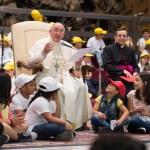 البابا فرنسيس والأطفال