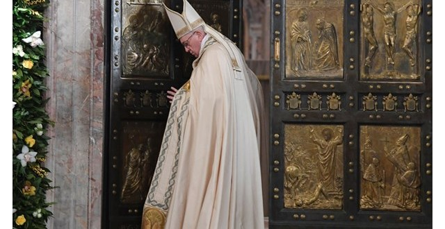 البابا فرنسيس: إن قوة الكنيسة اليوم هي في الكنائس الصغيرة المُضطهدة!