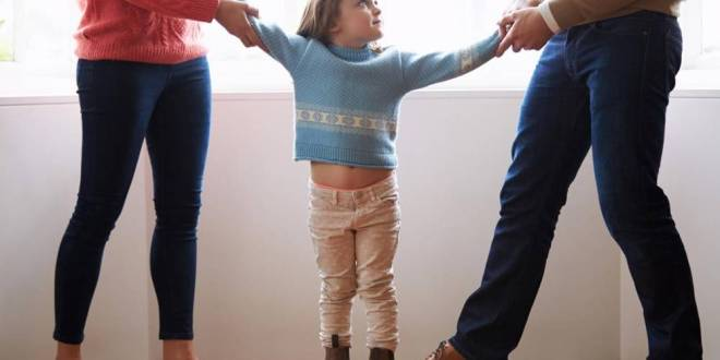 بعد الطلاق..حرمان الطفل من أحد والديه يُدمِّره