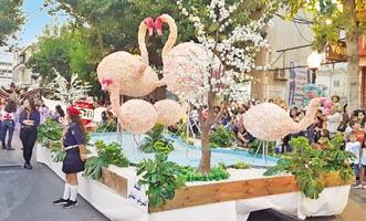 زحلة احتفلت بعيد الزهور في عرض للعربات المزينة