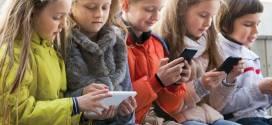 كيف تؤذي «السوشل ميديا» أطفالنا؟