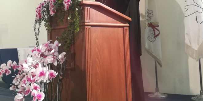 العبسي في تكريم متفوقين المدارس الكاثوليكية: لإيجاد تسوية بين المعلمين والأهالي على قاعدة العدالة والتوازن إنقاذا للوضع
