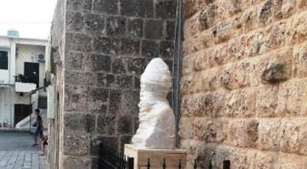 تمثال للبطريرك عميرة في زغرتا هدية من لجنة احياء التراث الاهدني