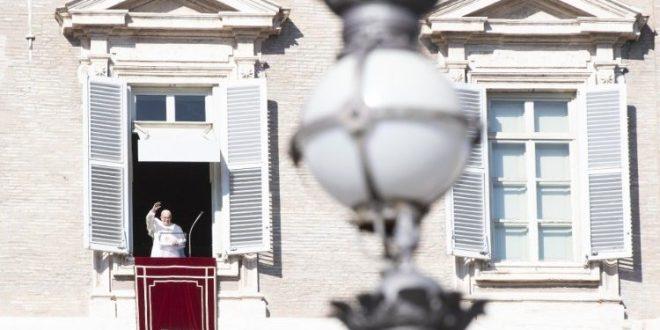في كلمته بعد صلاة التبشير الملائكي البابا فرنسيس يشير إلى المئوية الأولى لانتهاء الحرب العالمية الأولى وإلى اليوم العالمي للفقراء