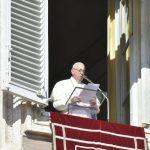 البابا يقول إن الله يقود حياتنا دائما وسط المشاكل والآلام