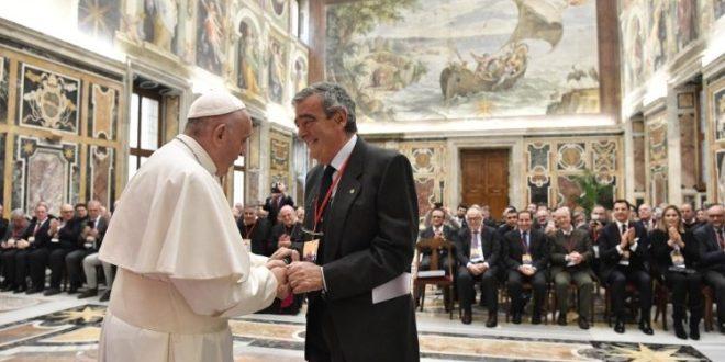 """البابا فرنسيس يستقبل أعضاء مؤسسة """"جورجيو لابيرا"""""""