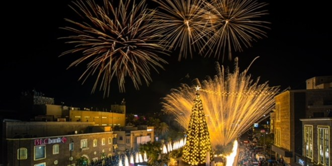 اضاءة شجرة الميلاد في جبيل وكلمات أملت في بناء دولة القانون والسيادة وحقوق الانسان
