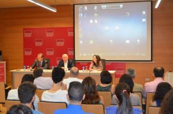 La presentación se ha llevado a cabo en el salón de grados de la Facultad