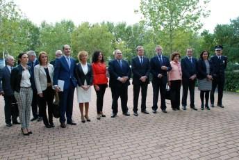 Autoridades asistentes al acto conmemorativo