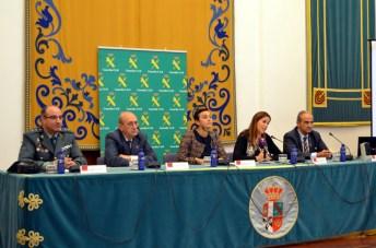 De izqda. a dcha.: Humberto Urruchi, Fernando Rodrigo, Beatriz Cabañas, Rosa Romero y Juan Ramón de Páramo
