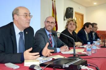 La vicerrectora María Ángeles Zurilla ha inaugurado el seminario