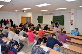 Un grupo de alumnos, en pleno desarrollo de las pruebas en el Campus de Ciudad Real