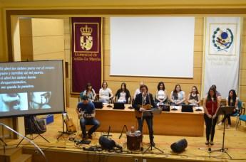 Paco Damas estuvo acompañada por diez alumnos de la UCLM
