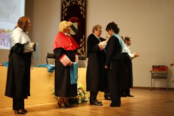 El rector ha presidido el acto de graduación