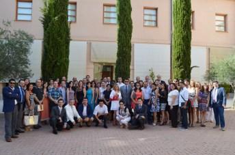 Foto de grupo de los estudiantes con los directores de los cursos y personal de la Fundación General de la UCLM