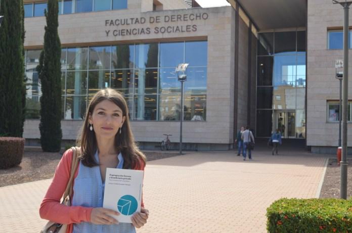La profesora de la UCLM Dolores Utrilla, distinguida por su estudio de la figura del beneficiario en la expropiación