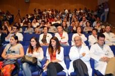Numerosos profesionales sanitarios y estudiantes asistieron a la charla