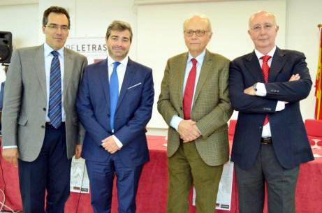 De izqda. a dcha.: Rafael González, Francisco Aranda, Jean Canavaggio y Francisco Florit