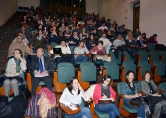 Estudiantes y profesores escucharon la conferencia