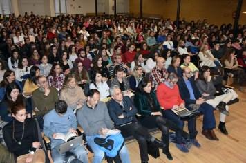 Alrededor de 600 personas escucharon la conferencia