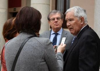 El rector y Rodríguez Bereijo durante su comparecencia ante los medios