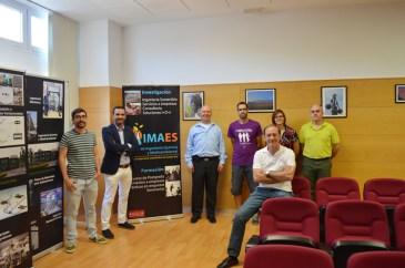 Miembros del grupo IMAES junto al profesor Dionysiou
