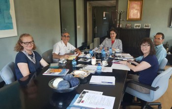 La vicerrectora de Internacionalización y Formación Permanente, Fátima GUADAMILLAS, recibe a la delegación estadounidense