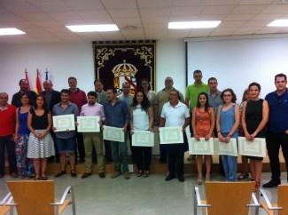 Foto de grupo de los nuevos graduados