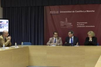 El rector de la UCLM, da la bienvenida a los participantes a este encuentro