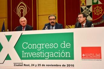 Desde la izquierda, José Valeriano Moncho, Jesús Fernández y Juan Francisco Ruiz, en la inauguración del congreso
