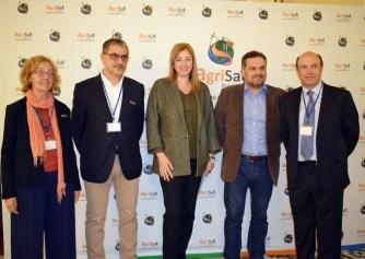 Representantes académicos y de la empresa AgriSat