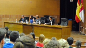 Intervención de Mayor Zaragoza © Gabinete de Comunicación UCLM