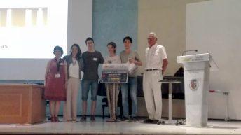 Entrega del premio al equipo de la Facultad de Medicina de Albacete © Gabinete de Comunicación UCLM