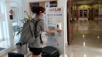 Los primeros usuarios llegan a las bibliotecas de la UCLM tras el fin del estado de alarma motivado por la COVID-19