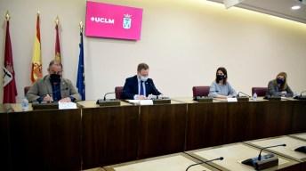 Representantes municipales y académicos © Gabinete de Comunicación UCLM