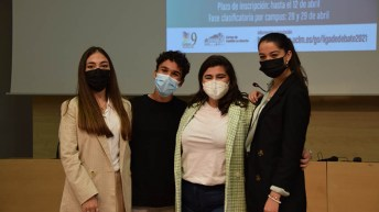 Periodistas en acción, equipo ganador de la Liga de Debate de Cuenca