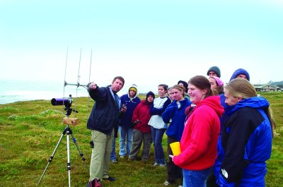 In California Ecology and Conservation, a course offered through the UC Natural Reserve System, students learn to do research from scientists in the field.
