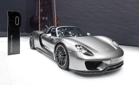 800px-Porsche_918_Spyder_IAA_2013