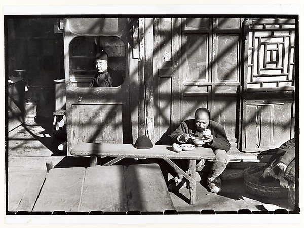 Henri-Cartier-Bresson-In-the-Last-Days-of-the-Kuomintang-Peking-1949