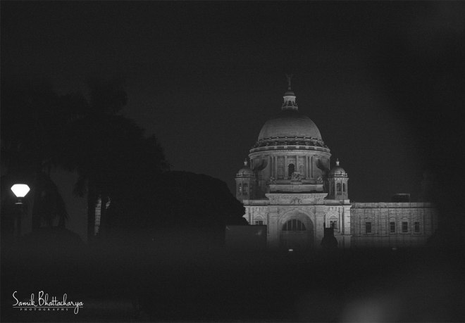 The-Majestic-of-Calcutta-by-Samik-Bhattacharya