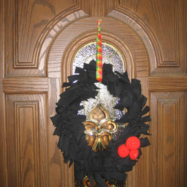 pants into halloween wreath