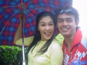 Udeh Nans bersama Sandra Dewi lagi