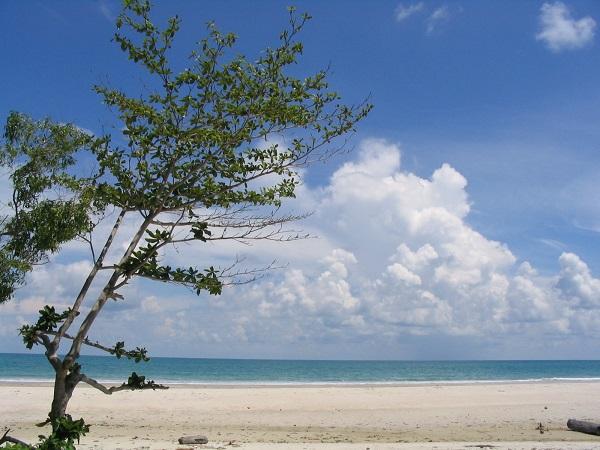Wisata Pantai di pulau Bangka Belitung