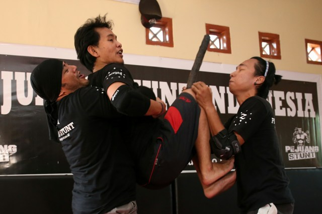 Pejuang Stunt Indonesia - Belajar Fighting