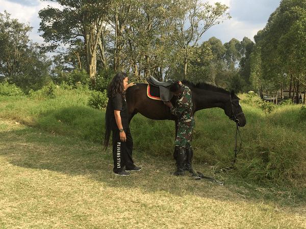Diskusi dengan pelatih kuda