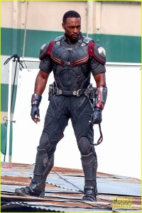 chris-evans-anthony-mackie-get-to-action-captain-america-civil-war-16