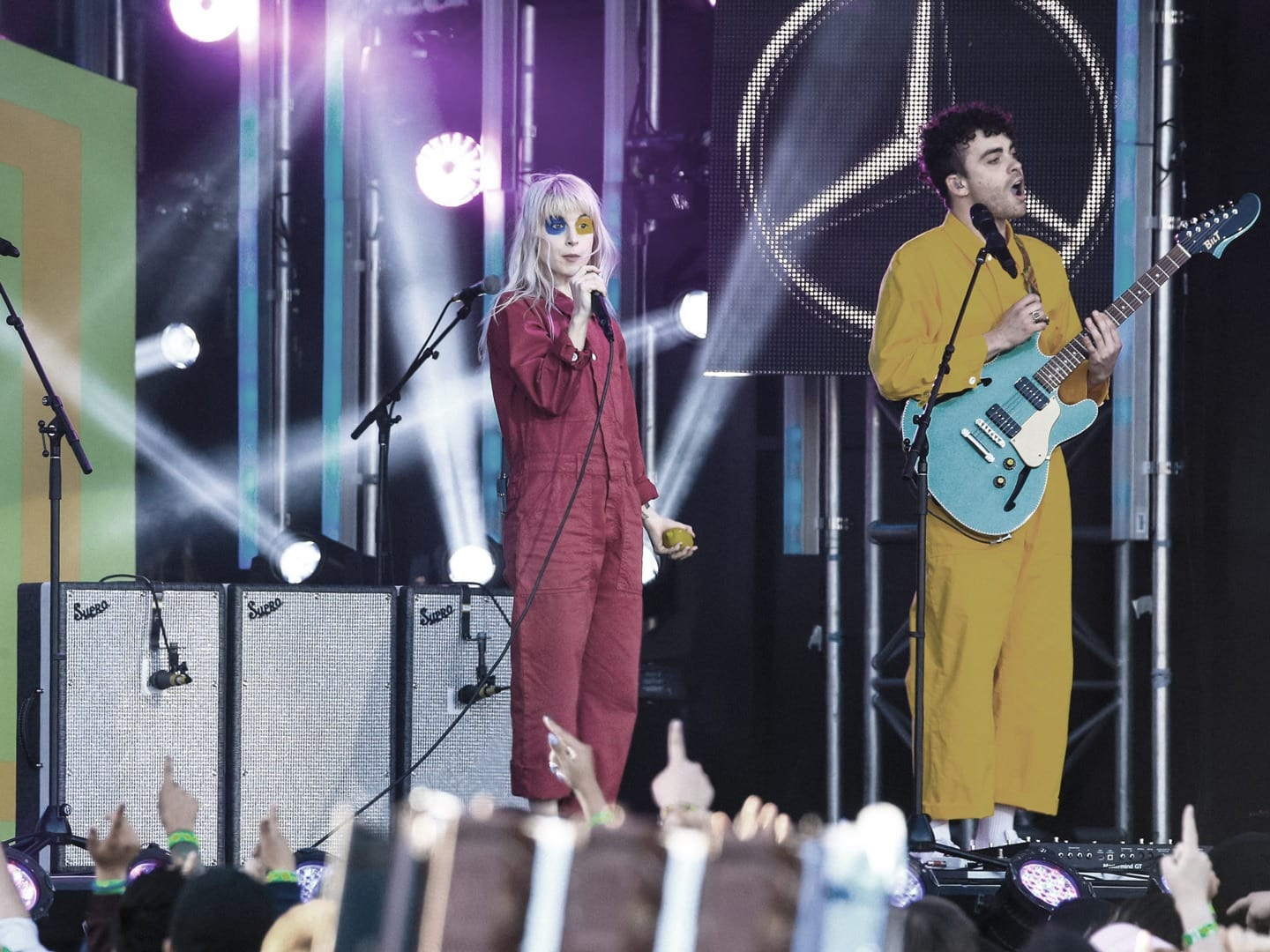 Paramore - Hard Times performance