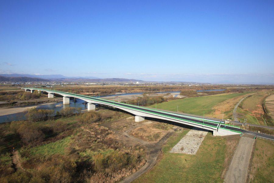江竜橋 高欄兼用車両用防護柵(航空写真)